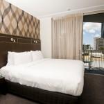 8hotel room